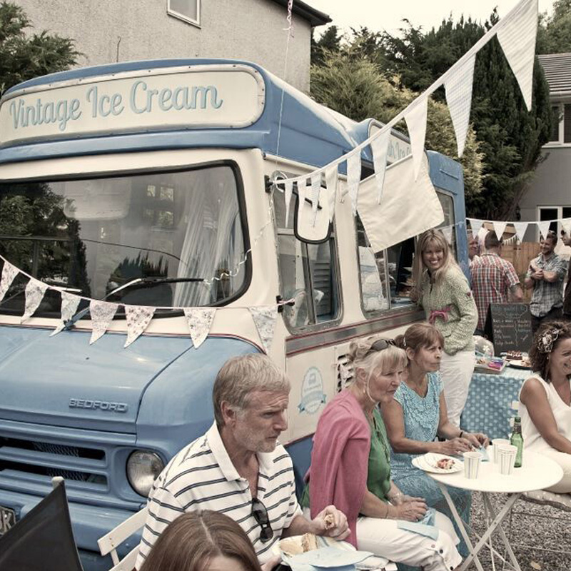 Hire a vintage ice cream van for your event.